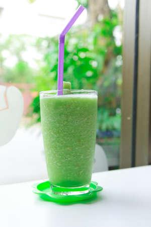 slushy: Kiwi slushy in glass