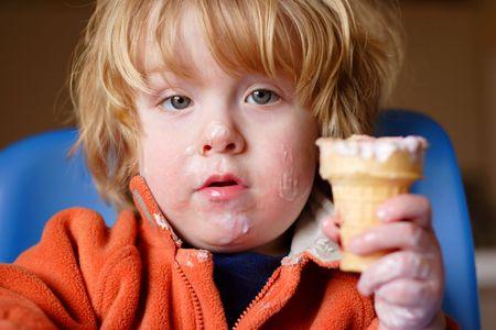 obesidad infantil: un joven