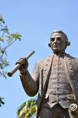 Captain James Cook 1728-1779 A British navigator, explorer and cartogropher who was the first European to make contact with the eastern coast of Australia and the Hawaiian Islands, as well as the first to circumnavigate New Zealand This statue is locat