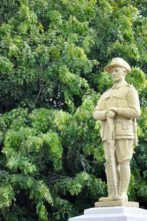 Permanent: Standbeeld van een ANZAC soldaat in ANZAC Park, Mareeba, QLD Australië, Dit standbeeld bevindt zich in een permanent voor het publiek toegankelijke plaats Per Australische auteursrecht S65, is het dus in het publieke domein Stockfoto
