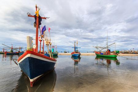 hua hin: Fishing village and sunshine day at Hua Hin, Prachuapkhirikhan, Thailand