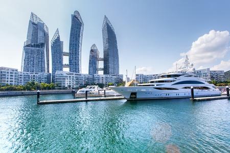 Karibik in Keppelbucht. Es ist Luxus-Wohngebiet in Singapur City Standard-Bild - 58168487