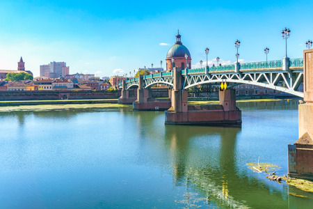 The Saint-Pierre bridge passes over the Garonne and it was completely rebuilt in 1987 in Toulouse, Haute-Garonne, Midi Pyrenees, southern France.