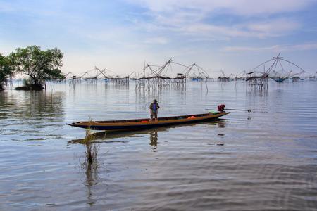 pra: Fishermen thai style fishing trap in Pak Pra Village, Net Fishing Thailand, Thailand Shrimp Fishing, Phatthalung, Thailand.