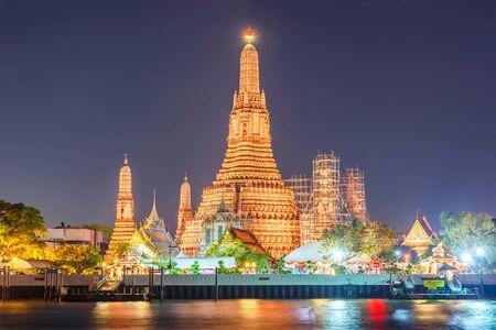 Wat arun Nachtsicht Tempel in Bangkok, Thailand Standard-Bild - 83708480