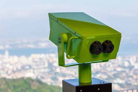 Sightseeing Binoculars Overlooking top view of Georgetown, Capital of Penang Island, Malaysia Stockfoto