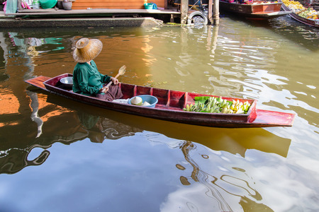 Damnoen Saduak Floating Market near Bangkok in Thailand Stockfoto