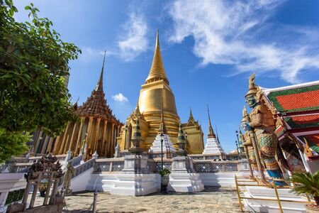 Wat Phra Kaew and Grand Palace in sunny day, Bangkok, Thailand Stok Fotoğraf
