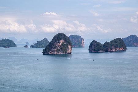 Beautiful nature of the islands in the Andaman Sea Ko Hong, Krabi Province, Thailand Standard-Bild - 160724889