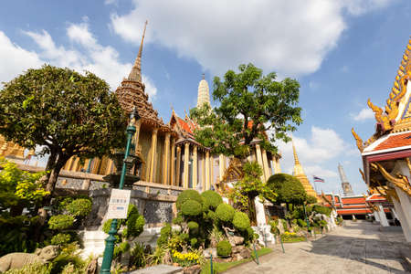 Temple of the Emerald Buddha or Wat Phra Kaew temple, Bangkok, Thailand Standard-Bild - 160724922
