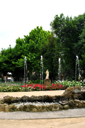 Flowers at the fountain of the Roman country house of Lazaroni.