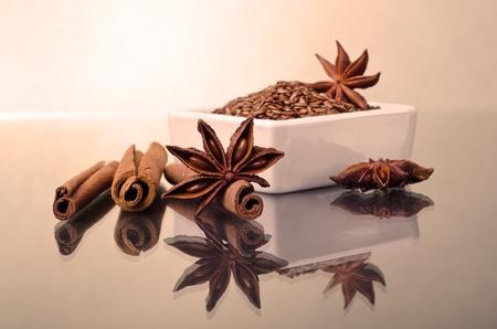 badiane: L'anis ?toil?, la cannelle et le lin