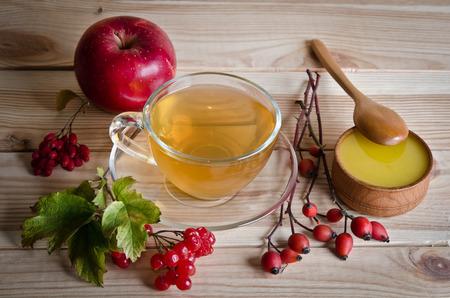 ヘルスケア: 一杯の紅茶、蜂蜜、果実から静物
