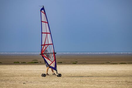 windskate on the beach