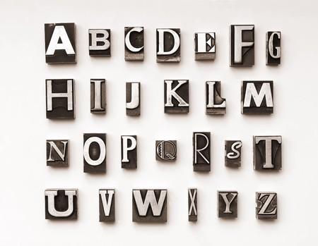 lettre s: Alphabet photographi� en utilisant un m�lange de caract�res typographiques vintage. Cross-proc�d� pour un look vintage.