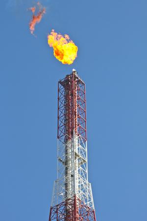 nafta: Refinery flare