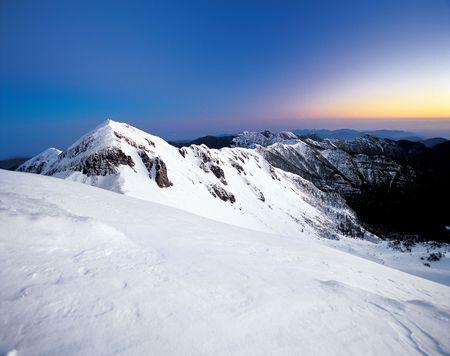 verschneite Berglandschaft. Lizenzfreie Bilder