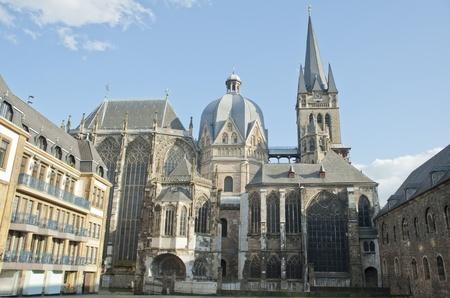Aachener Dom ist die �lteste r�misch-katholische Kirche in Nordeuropa, Europa