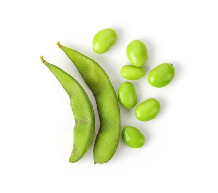 fagioli di soia isolati su sfondo bianco. vista dall'alto Archivio Fotografico