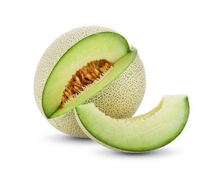 Grüne Melone isoliert auf weißem Hintergrund. volle Schärfentiefe