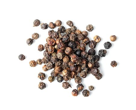 Black Peppercorns isolated on white background. ftop view 免版税图像