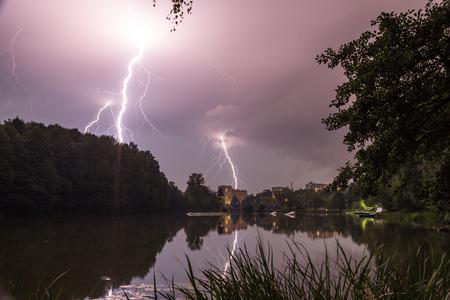 53  5000Vechernyaya groza nad Pekhorkoy, gorodskoy park BalashikhaEvening thunderstorm over Pekhorka, Balashikha city park Фото со стока - 92821958