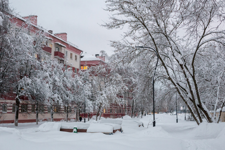 Balashikha, Moscow region, Russia: Snowdrifts in the streets after a heavy snowfall in Moscow and Moscow region Фото со стока - 94816211