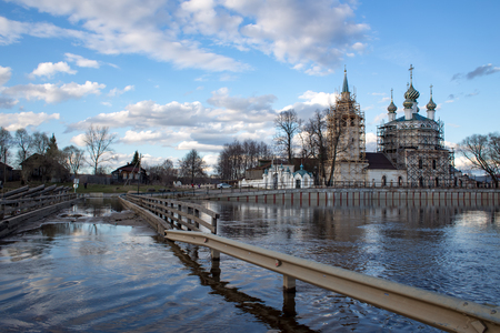 Flooded bridge in the village of Kholui, Yuzhsky district, Ivanovo region during the spring flood of the Teza River Фото со стока