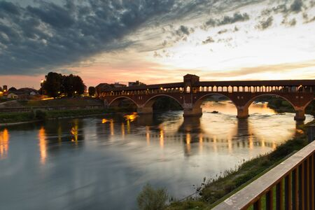 The Old Bridge of Pavia (Italy) 版權商用圖片