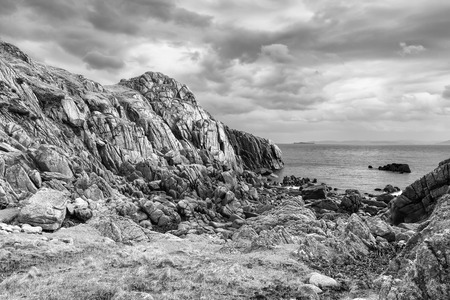 mull: Pink granite cave on Kintra - Isle of Mull