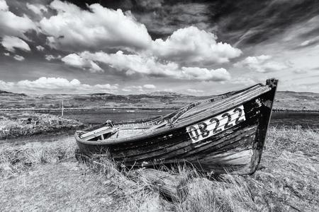 mull: Monochrome picture of a shipwreck in the isle of Ulva Editorial