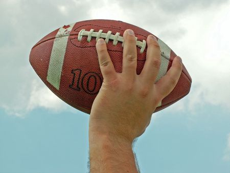フットボールを渡す