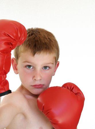 若い男の子をボックス化する準備ができて 写真素材
