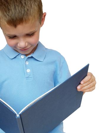 絵本の読み聞かせの少年