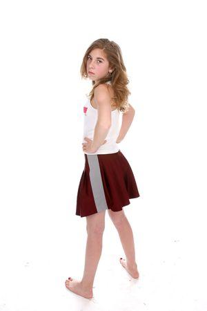 uñas pintadas: Defiant busca chica joven con sus manos en sus caderas.