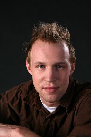 �spiked: foto de la cabeza con estilo hombre con el pelo de pinchos Foto de archivo
