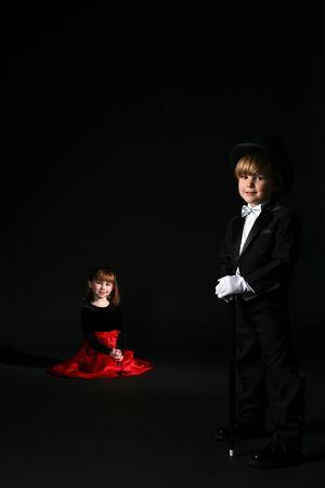 cute los niños en ropa formal con niño en primer plano Foto de archivo - 4132655