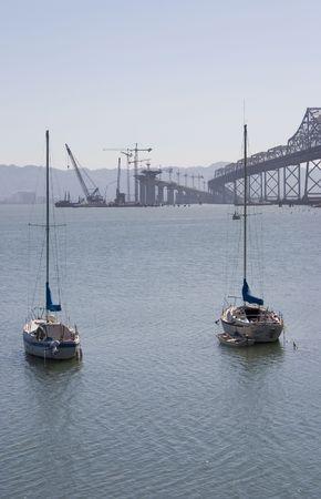 zastąpić: Nowe zatoki San Francisco pod budowę mostu na celu zastąpienie starego mostu, który został uszkodzony w 1989 r. ziemi Quake.