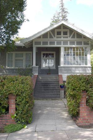 A cute craftsman house.