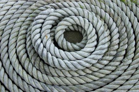 dovere: Pesanti anche arrotolati corda.