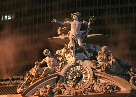 statuary: The beaux arts statuary above the entrance to Grand Central Station in New York City.