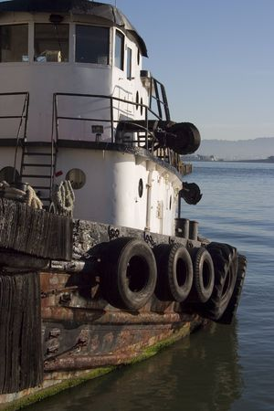 Un rimorchiatore si avvicina alla baia di San Francisco. Archivio Fotografico - 416488