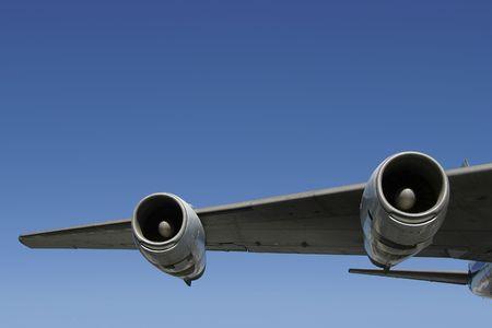 underbelly: Una sezione di un jumbo jet ala.