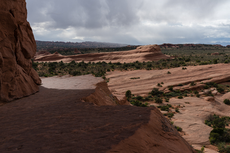 This trail leads to delicate arch, in Arches National Park. Stockfoto - 123908484