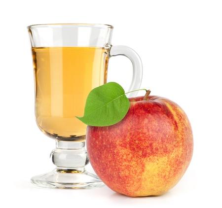 pomme rouge avec du jus de fruits