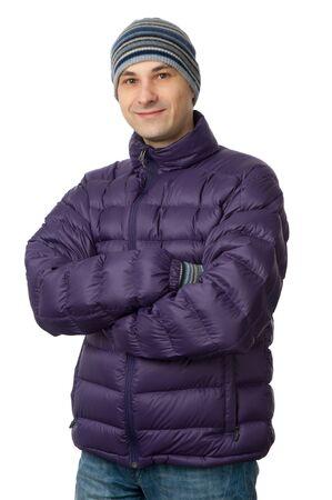 Mann im stilvollen Winterkleidung isoliert auf weiß