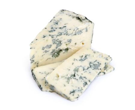 Fromage bleu sur un fond blanc