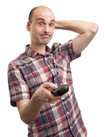 bald man: hombre necio mira TV. Aislados en blanco