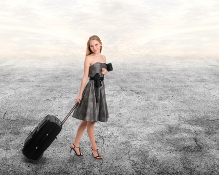 woman with baggage photo