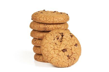 biscotti al cioccolato isolati su sfondo bianco